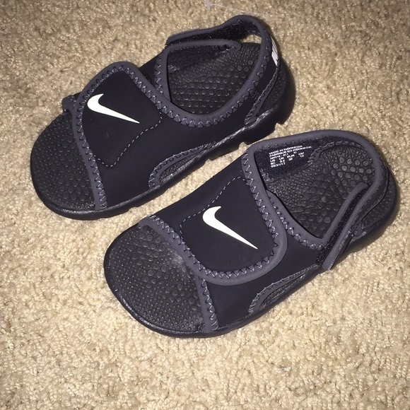 7f1db5ef3 Boy s Toddler Nike Sandals. M 5b7e115e129955ec09f81227